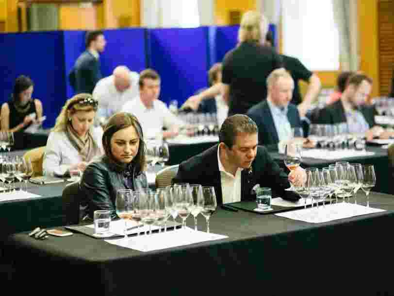 La référence française de la critique gastronomique investit dans le spécialiste mondial de la notation de vins
