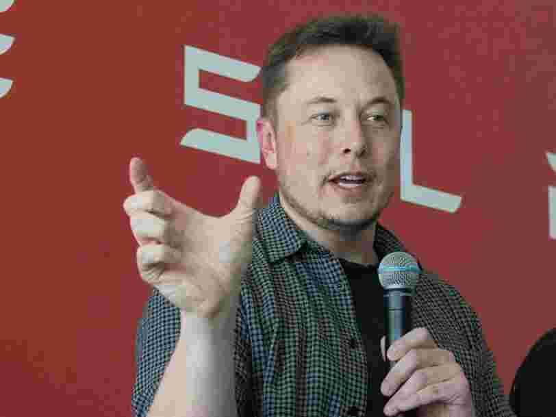 Elon Musk a dit que le lanceur d'alerte de Tesla est un 'être humain horrible' dans un échange d'emails explosif