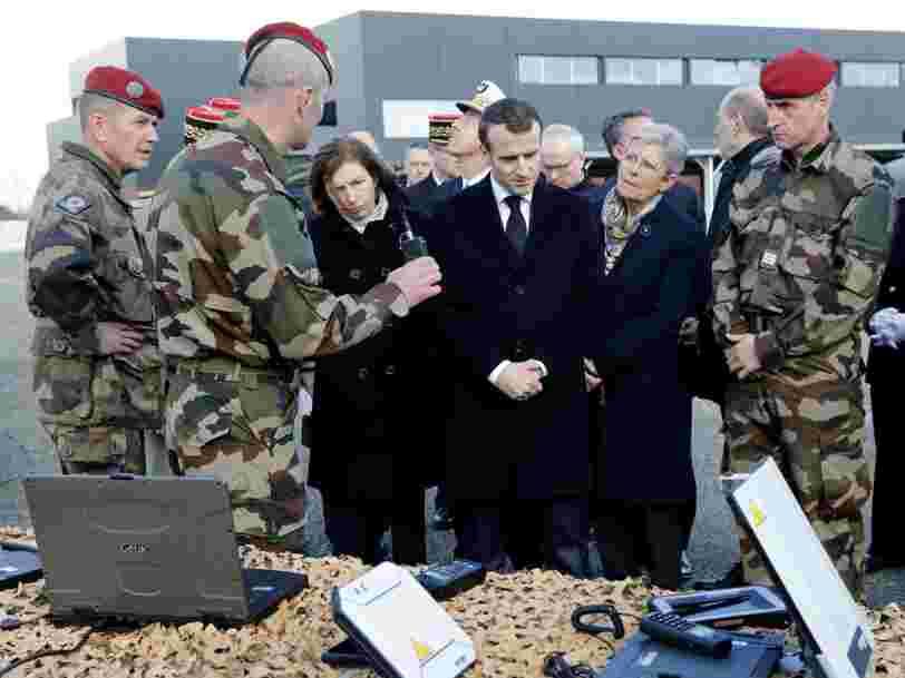 'Nous n'avons pas peur': La France intègre l'arme numérique à son arsenal