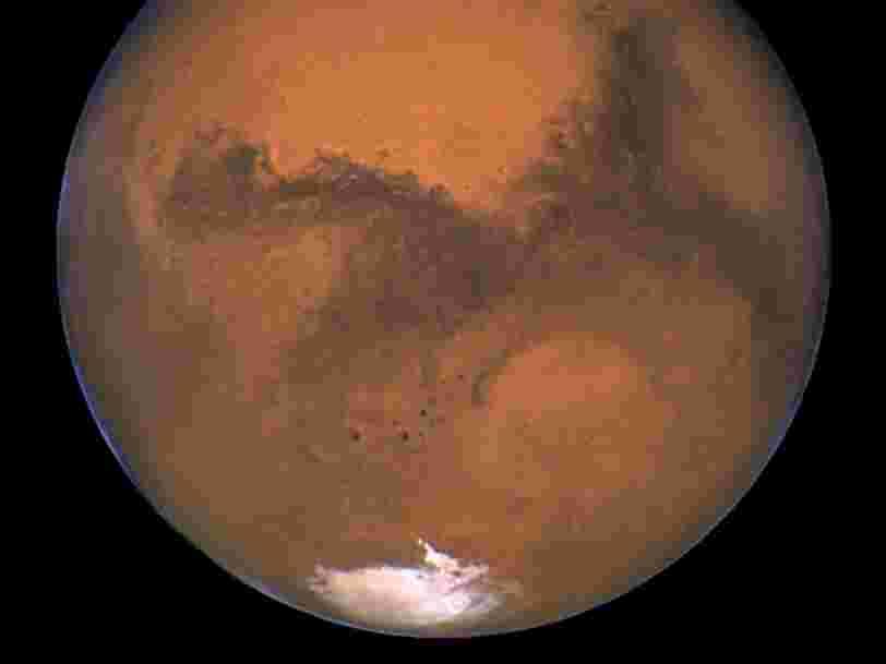 Des scientifiques ont découvert un lac d'eau de 20km de diamètre sous la surface de Mars — mais il faudra des années pour savoir si quelque chose y vit