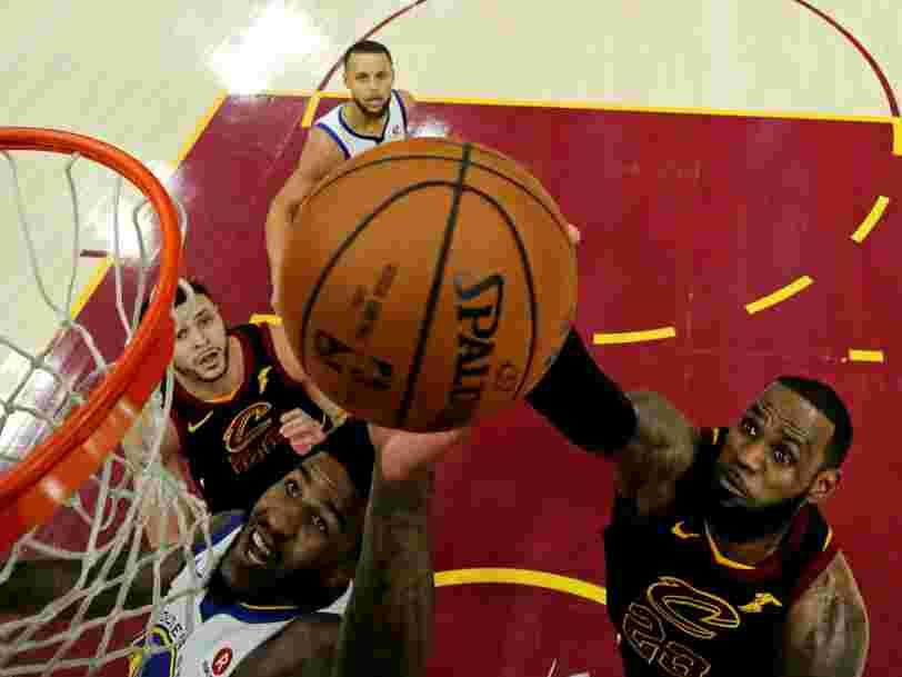 La superstar de la NBA LeBron James signe un contrat de 4 ans à 154 M$ avec les Los Angeles Lakers