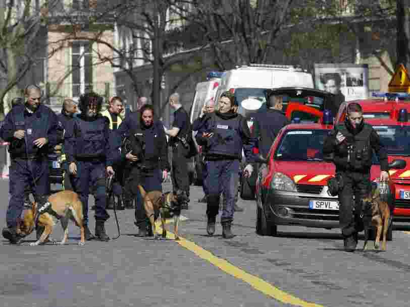 Un colis piégé a explosé dans les locaux du FMI à Paris et a fait une blessée