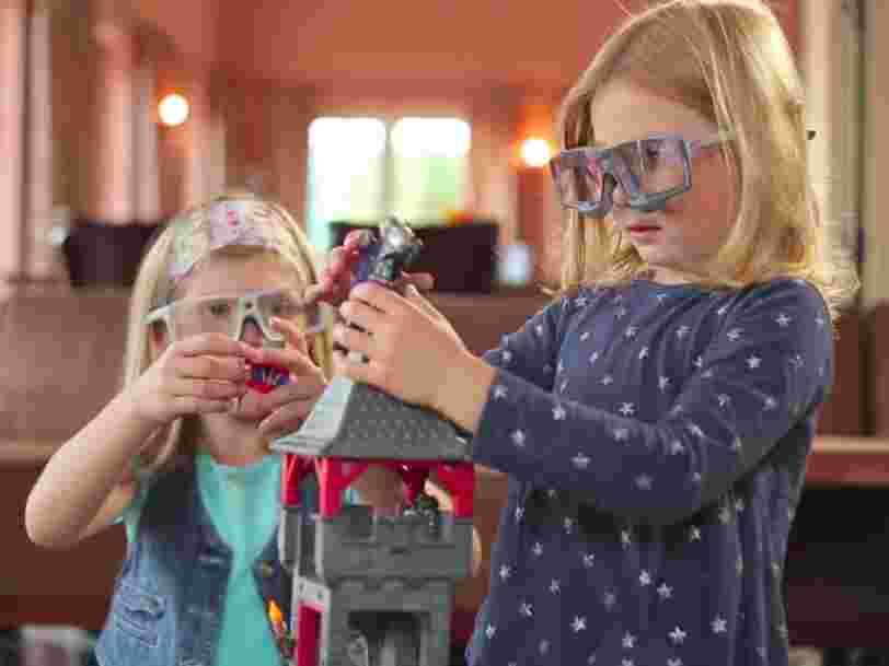 Apple a racheté une entreprise de lunettes connectées qui suivent les mouvements des yeux