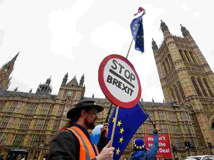 Theresa May reporte le vote sur le Brexit au Parlement britannique — voici ce qui pourrait se passer en cas de rejet de l'accord par les députés