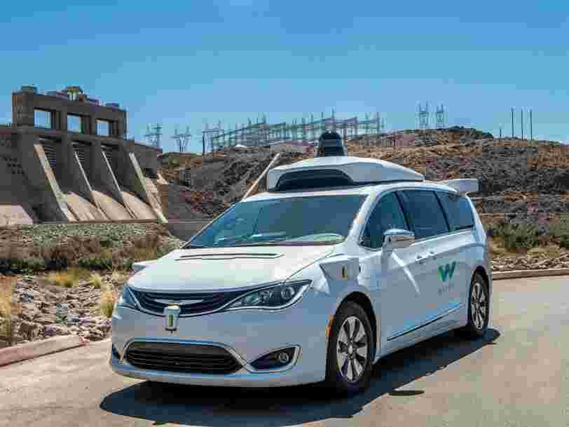 Les voitures autonomes de Waymo vont emmener les clients de Walmart faire leurs courses — et c'est une bonne façon pour la filiale de Google de creuser son avance