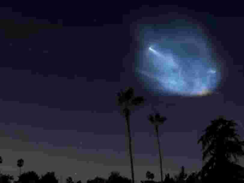 Les images du lancement et de l'atterrissage d'une fusée SpaceX en Californie ont quelque chose d'envoûtant — regardez