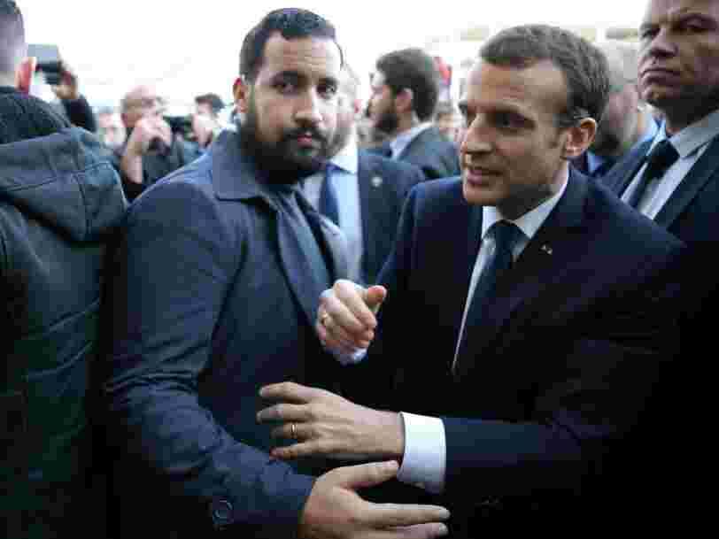 Alexandre Benalla est en garde à vue — l'ancien conseiller de Macron aurait utilisé des passeports diplomatiques après son licenciement