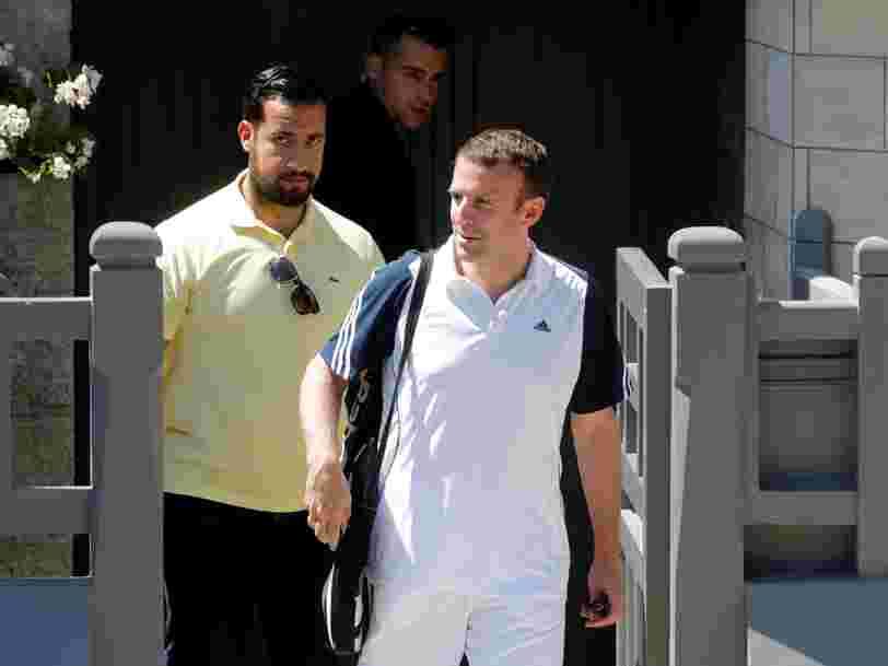 Le collaborateur d'Emmanuel Macron placé en garde à vue pour des faits de violences est logé par l'Elysée à Paris