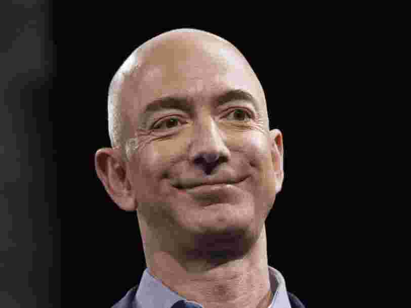Jeff Bezos a une méthode astucieuse pour prendre facilement des décisions qui semblent impossibles — voici comment il fait