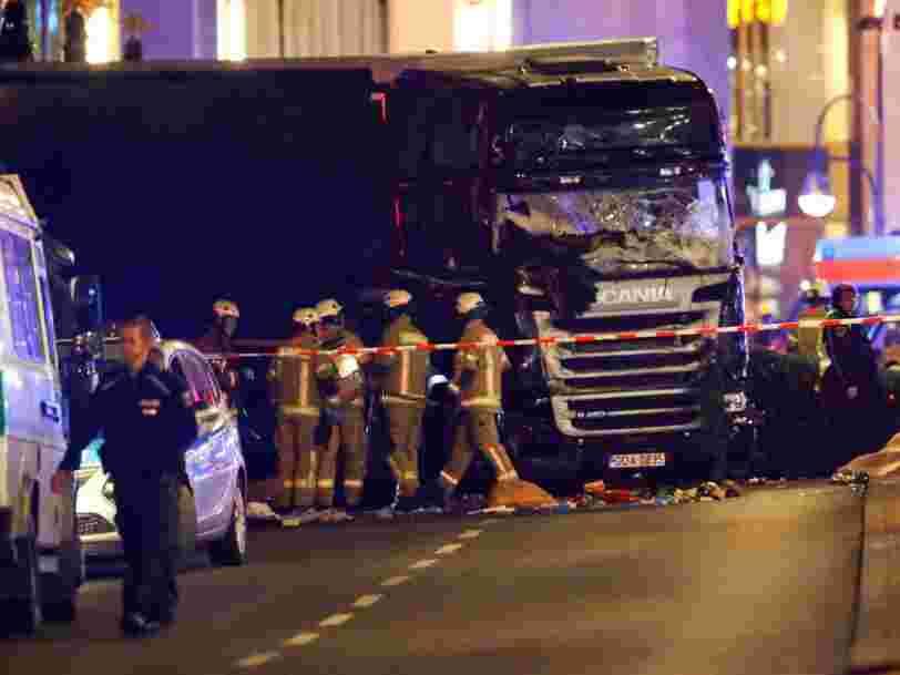 Un camion fonce dans un marché de Noël à Berlin — il y a plusieurs morts et de nombreux blessés