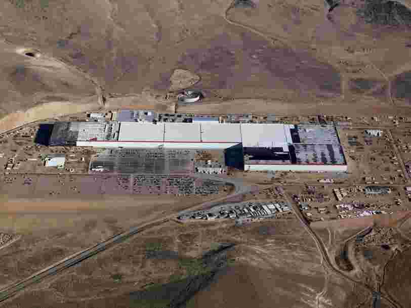 Des employés de Tesla décrivent leurs conditions de travail dans l'immense Gigafactory