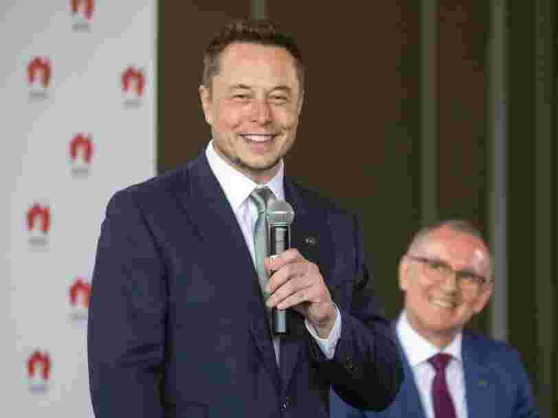 Un média américain affirme qu'il n'existe pas encore de navire 100% autonome — Elon Musk réplique immédiatement avec une photo du sien