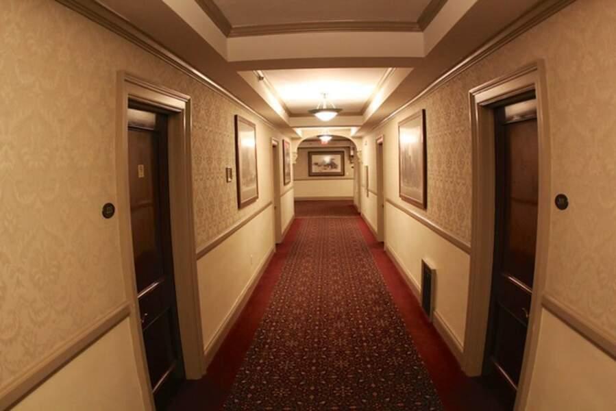 Couloir donnant sur les chambres du Stanley Hotel