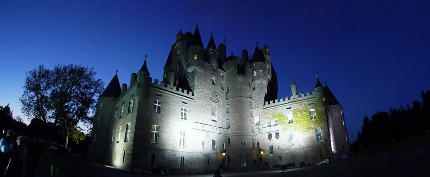 Le Glamis Castle de nuit