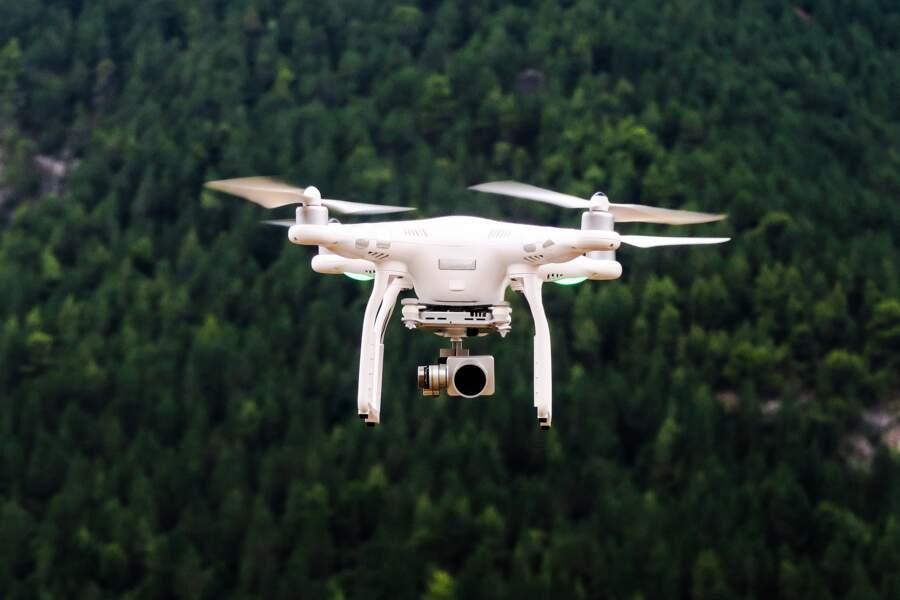 ... avec des drones !