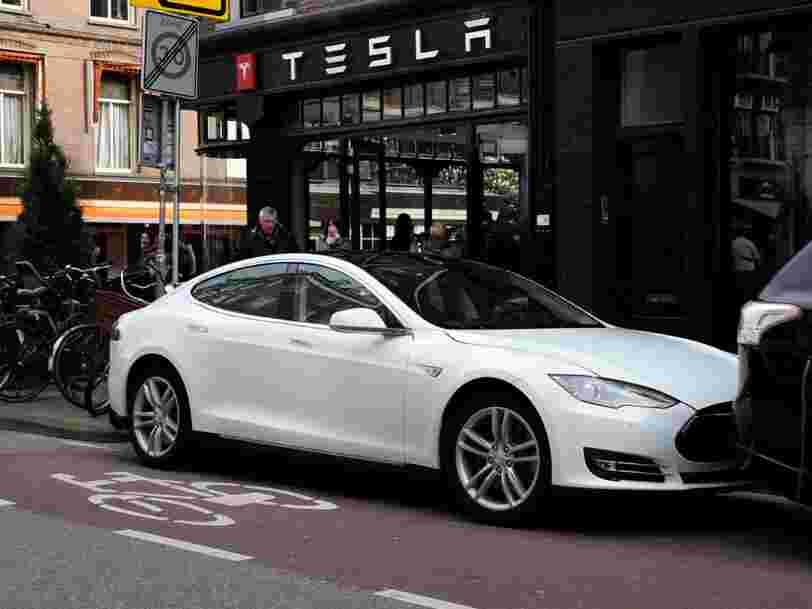 Tesla a un modèle de vente inspiré d'Apple — il l'applique à la lettre en Suisse