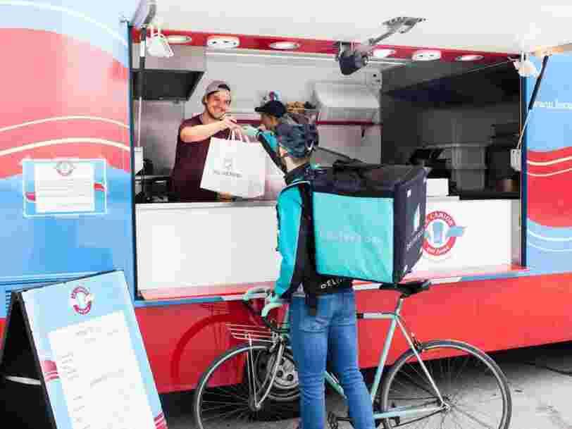 Il existe désormais un syndicat en France pour les coursiers à vélo de Deliveroo