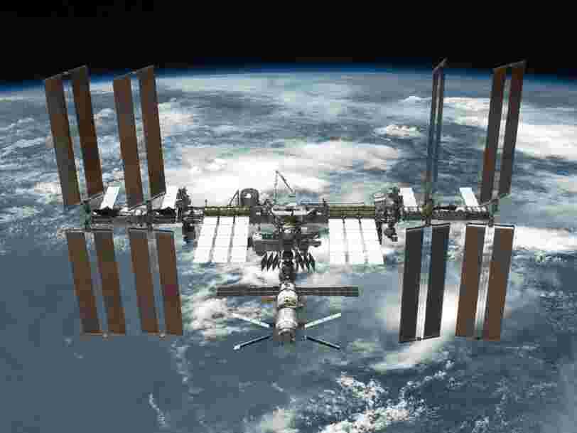 L'administration Trump envisage de confier la gestion de la Station spatiale internationale à une entité privée en 2025 — mais il y a 2 choses qui rendraient la transition compliquée
