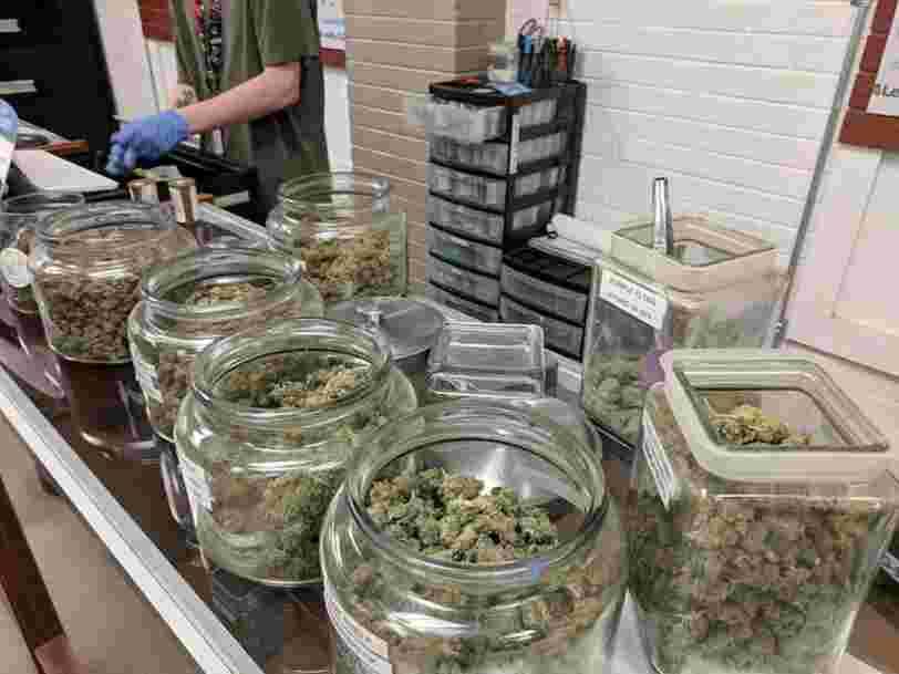 Le cannabis s'est invité aux côtés de valeurs bancaires parmi les titres les plus échangés l'an dernier par les clients d'une banque d'investissement