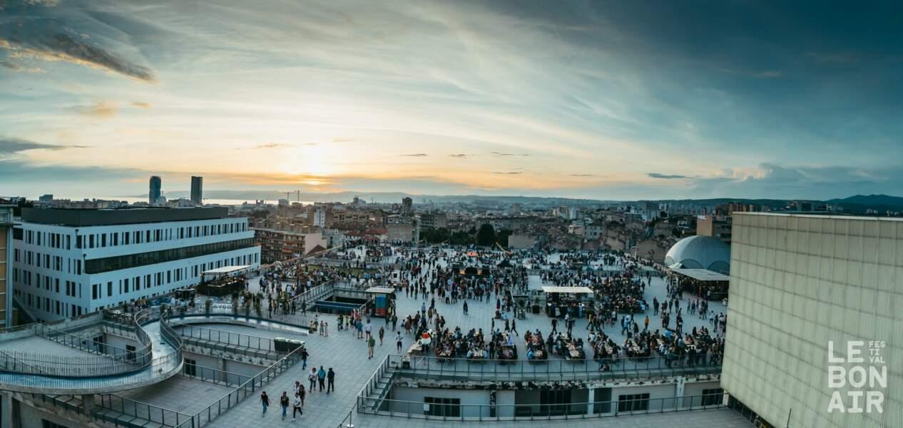 Le Festival Le Bon Air se déroule sur le toit-terrasse de la Belle de Mai