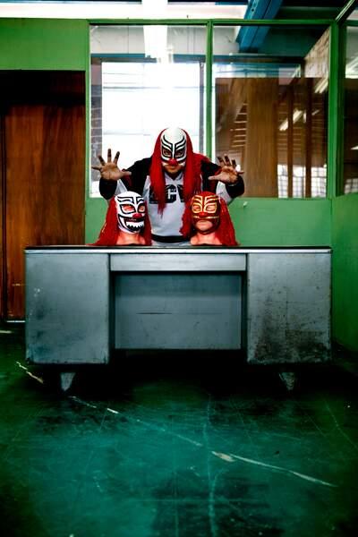3/11-Luchadores - Coco Rojo