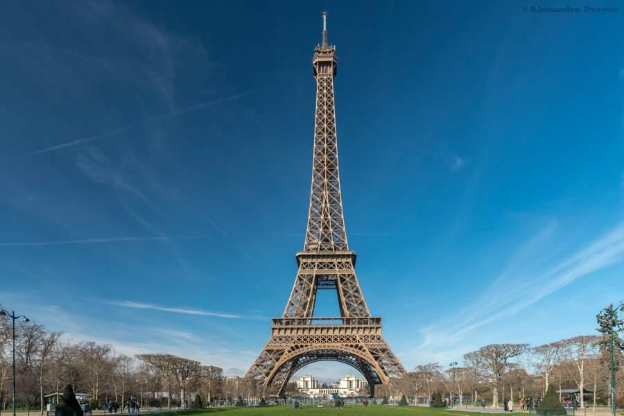 Le poids de deux Tour Eiffel