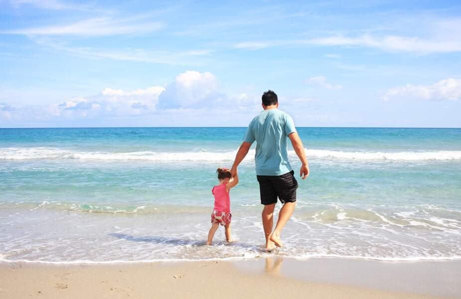 12 • Petit, l'été, on vous envoyait plutôt en vacances :
