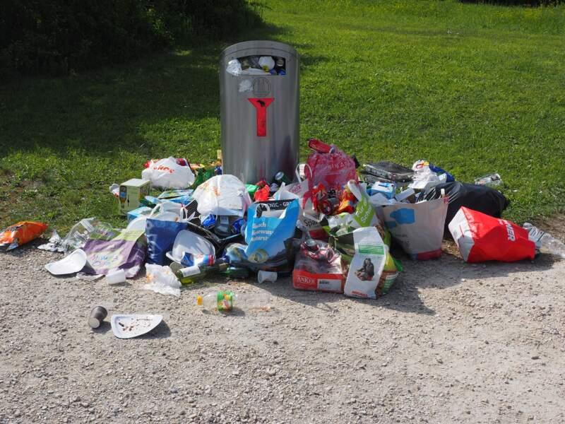 Ensemble, cessons d'être des ordures