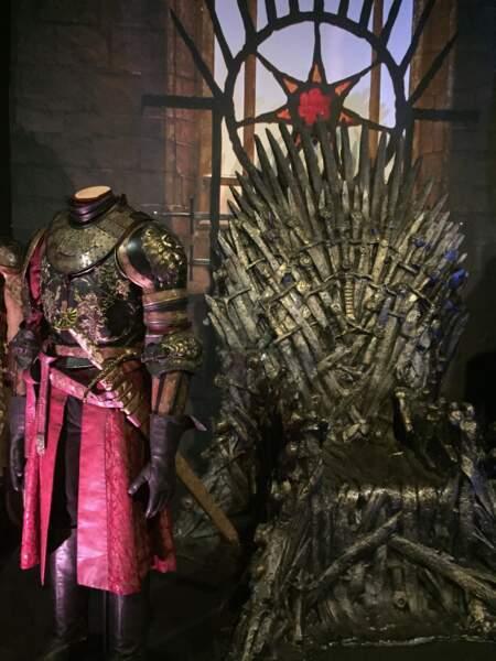 Le trône de fer et l'armure de Joffrey