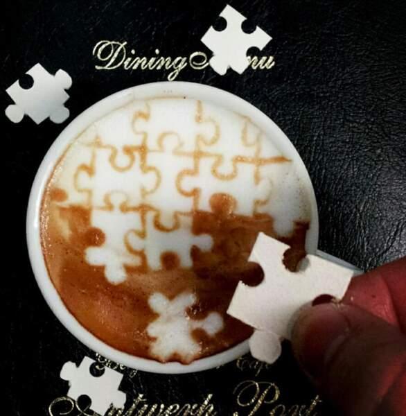 Ce café est un puzzle symbolisant la complexité de l'existence.