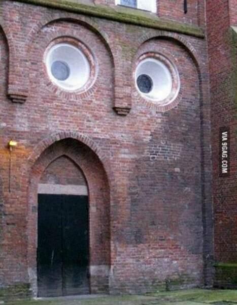 Une église psychédélique