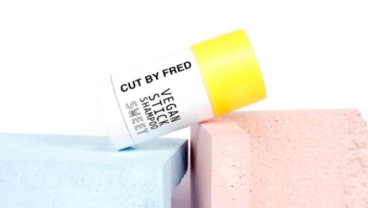 Le premier shampooing en stick signé Cut by Fred