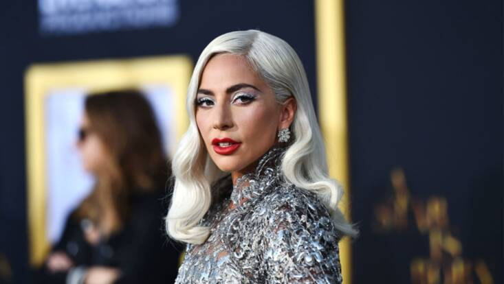 Lady Gaga : son make-up glamour à l'avant première de A Star Is Born
