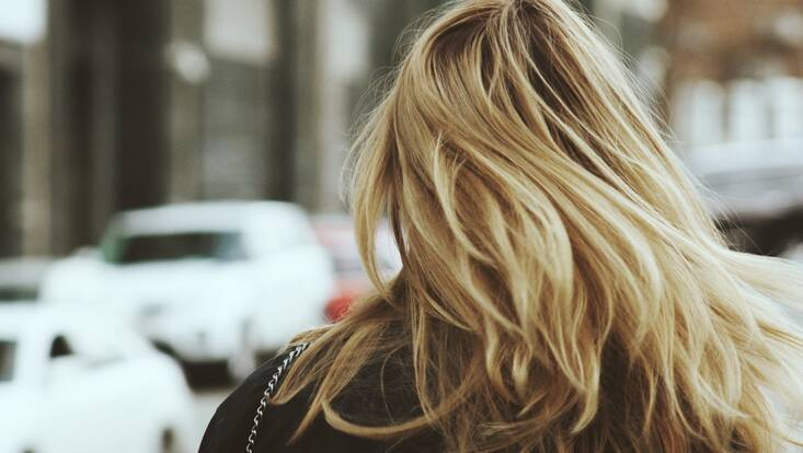 Shampooings pour cheveux colorés : les meilleurs produits de la communauté