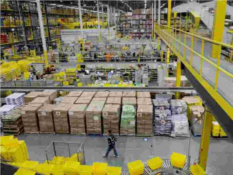 Jeff Bezos appelle les employés des restaurants et bars fermés à venir travailler pour Amazon