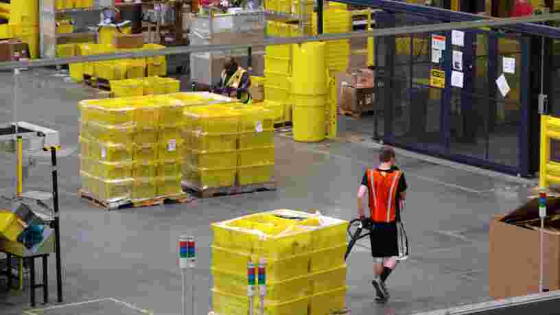 Des syndicats d'Amazon exigent la fermeture des entrepôts français