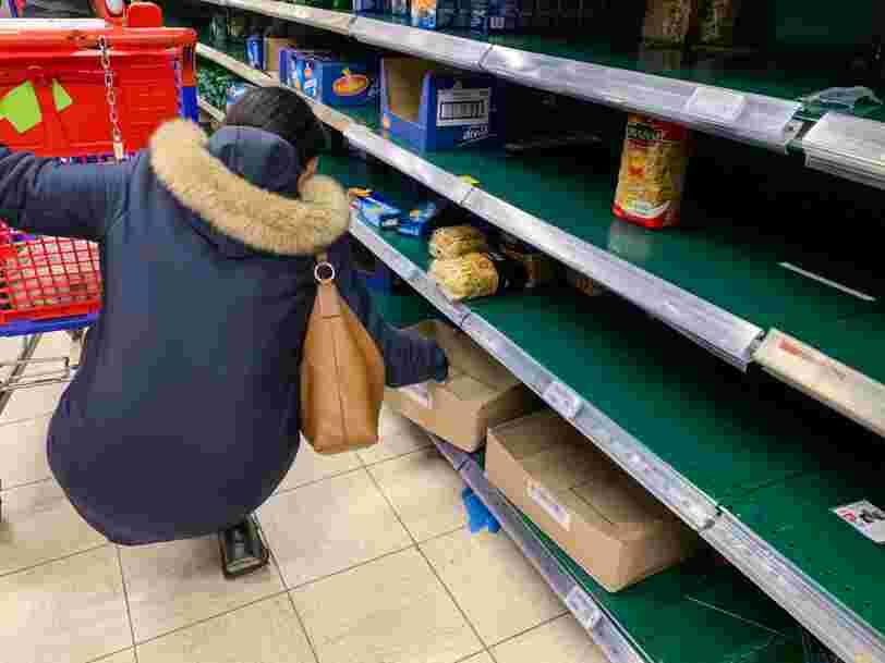 Les salariés d'un hypermarché Carrefour exercent leur droit de retrait car ils s'estiment insuffisamment protégés