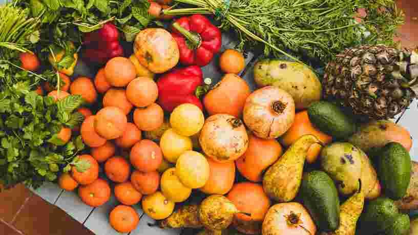 Voici pourquoi les fruits et légumes sont plus chers en magasin selon les agriculteurs et distributeurs