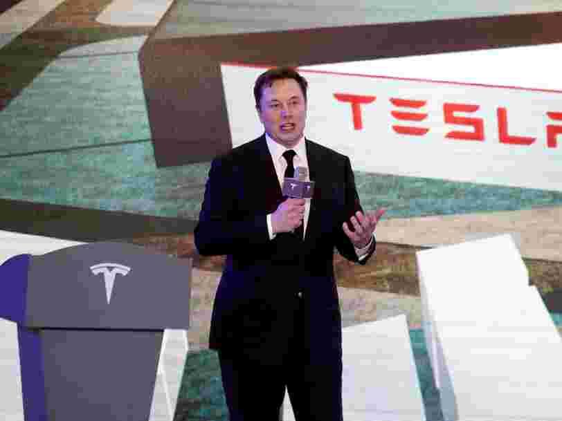 Elon Musk redémarre l'usine Tesla malgré le confinement et se tient prêt à se faire arrêter