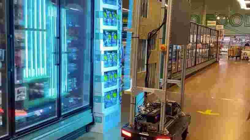 Amazon a construit un robot à ampoules UV qui pourrait tuer le coronavirus dans les supermarchés