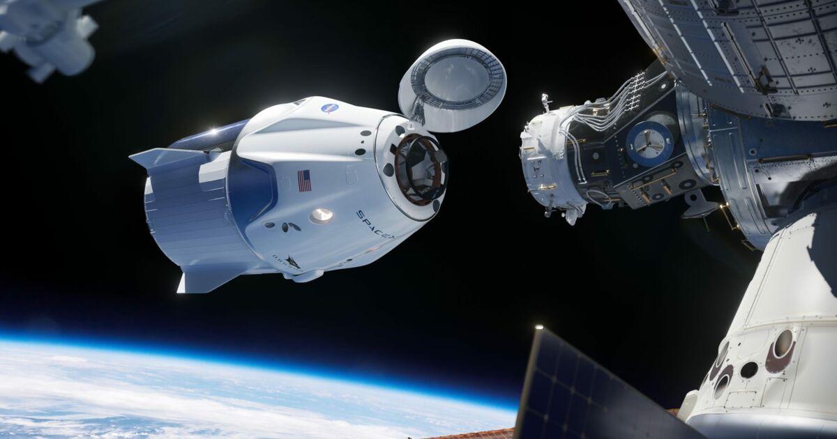 Le nouveau vaisseau spatial 'Endeavour' de SpaceX entre dans l'histoire en s'amarrant à l'ISS avec 2 astronautes de la NASA à l'intérieur
