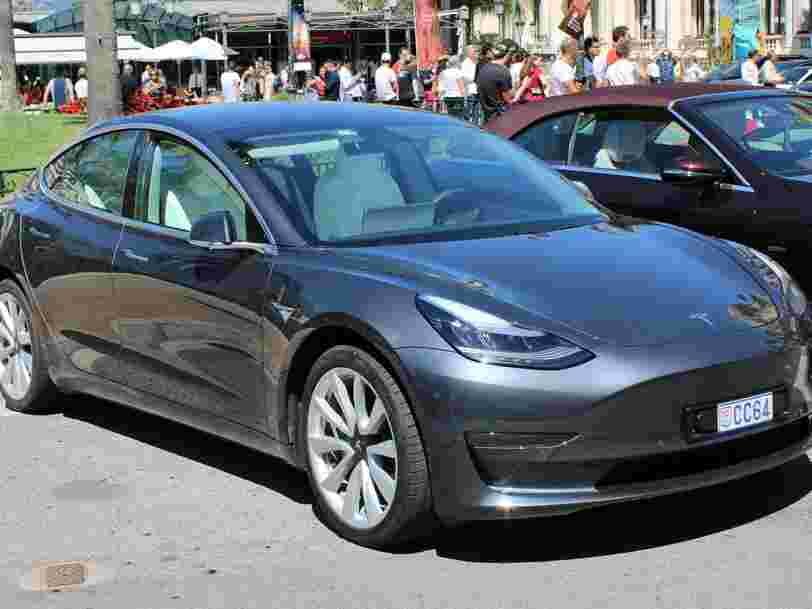 L'action Tesla a franchi le cap des 1 000 dollars et pourrait poursuivre son ascension
