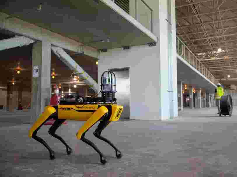 Le robot-chien de Boston Dynamics va être doté d'un bras et pourra 'un jour' s'occuper de votre linge