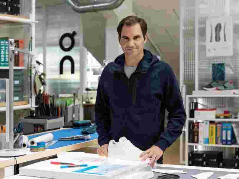 Roger Federer dévoile une paire de sneakers conçue avec la marque suisse On