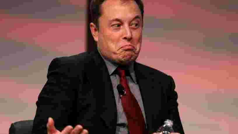Pourquoi Elon Musk vend maintenant des shorts en satin rouge Tesla