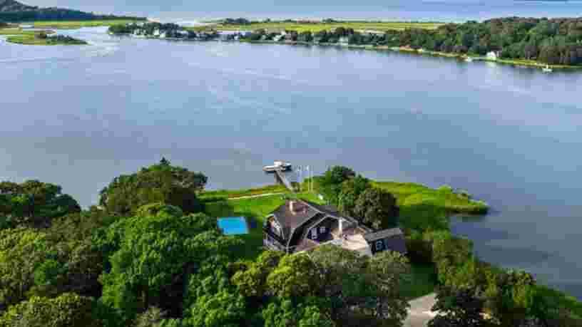 Rihanna dépense 415 000 $ pour louer un cottage pour l'été dans les Hamptons, voici à quoi il ressemble