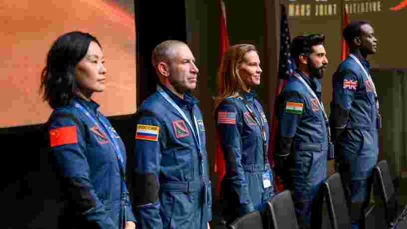 Netflix dévoile un teaser pour sa série 'Away', avec Hillary Swank en astronaute