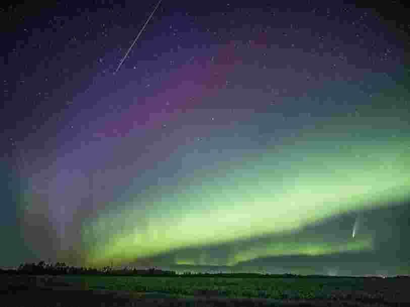Une photo montre la comète Neowise, un météore et le mystérieux phénomène STEVE au même moment