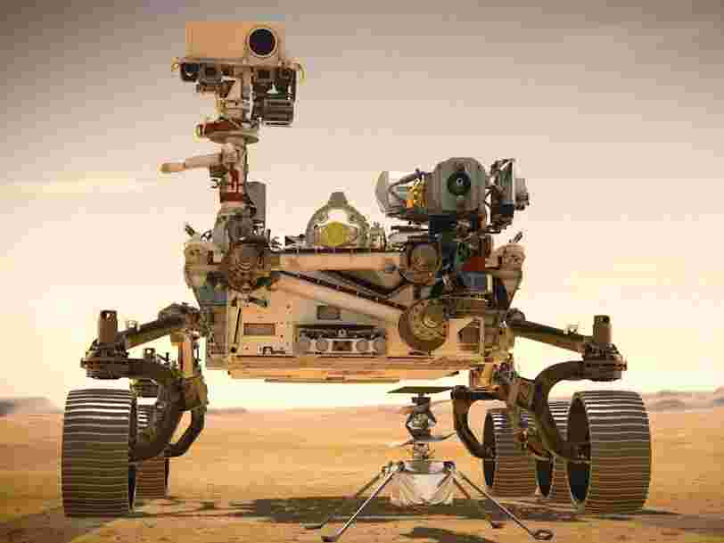 La NASA place le premier hélicoptère interplanétaire dans le ventre de son rover martien