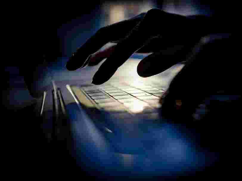 Voici combien les hackers vendent vos identifiants Facebook, Gmail, ou numéro de cartes bancaires sur le dark web